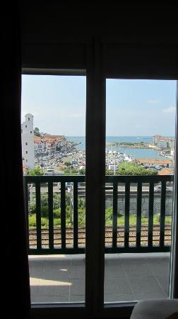 Ibis Ciboure St Jean De Luz: Vista dal balconcino (camera 625)