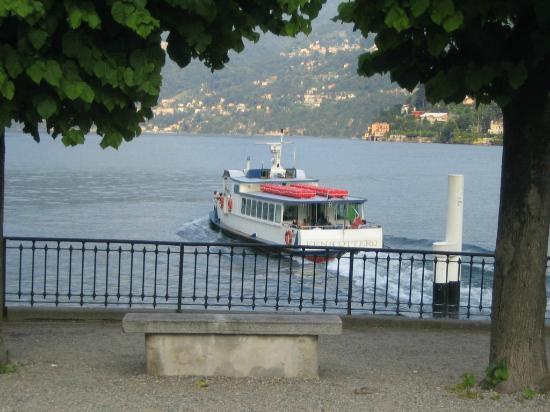 Hotel Posta: Bateau reliant les différentes stations du bord de lac