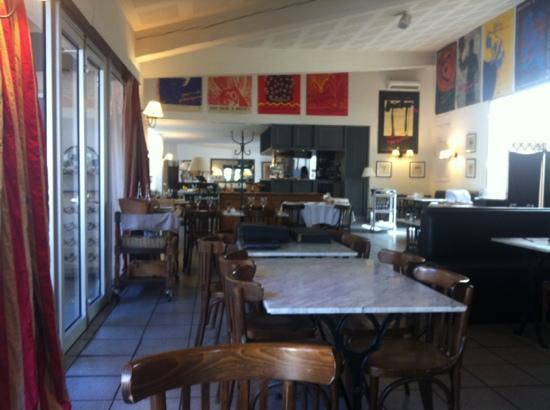 BEST WESTERN Hotel Paradou: vue sur l'intérieur du restaurant