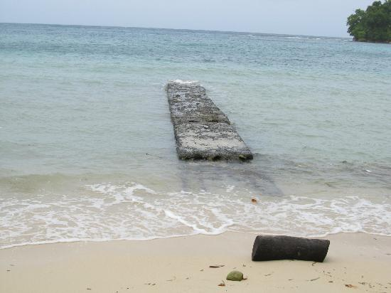San San Beach : An old jetty.