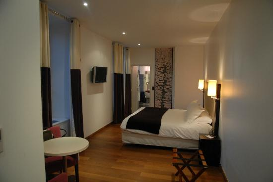 La Ferme de Bourran : Ou room - spacious, comfortable and just nice