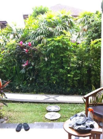 Sahadewa Resort & Spa: vue de l'entrée de la chambre