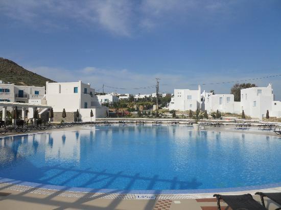 Naxos Imperial Resort & Spa: La piscina