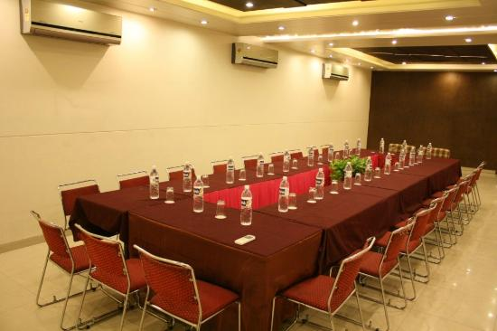 Hotel Shalimar: Conference/Banquet Hall