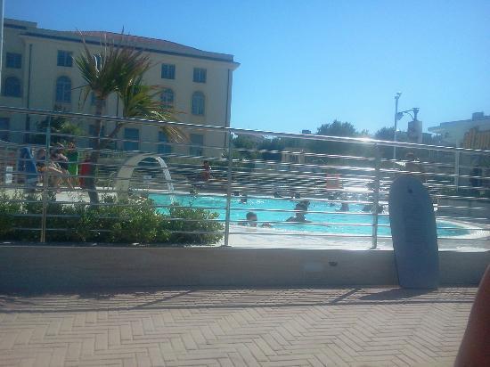 Hotel Consul Cattolica: zwembad