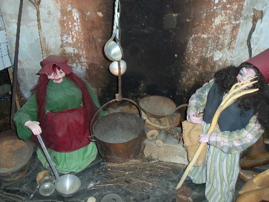 La Magie Des Elfes Et Des Lutins : ça boue dans la marmite