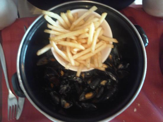 Kyriad Saint-Malo Ouest - Dinard: moules frites