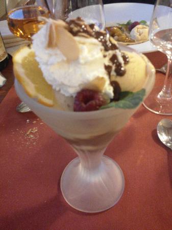 Kyriad Saint Malo Ouest - Dinard : coupe glace vanille caramel beurre salé