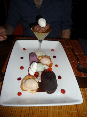 Hotel Maiyango: Taster plate of desserts