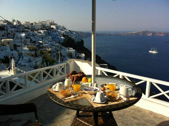 Nomikos Villas: Our breakfast in private balcony
