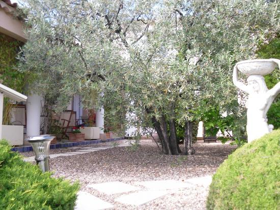 Hotel Villa Elaia : patio donnant sur les chambres