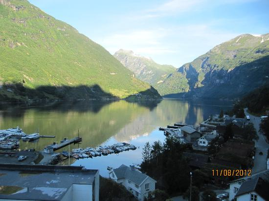 Hotel Geiranger: view from hotel lift