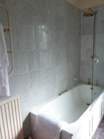 Loch Ness Country House Hotel at Dunain Park: salle de bain