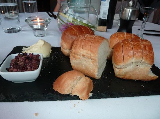 Loch Ness Country House Hotel at Dunain Park : pain apéro, miam