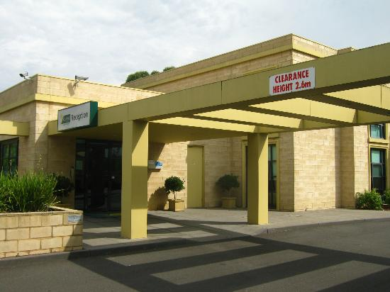 Quest Narre Warren: Main office