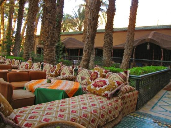 Palais Asmaa: outside sitting area
