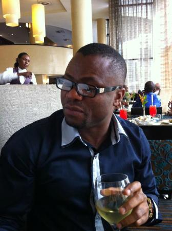 Southern Sun Ikoyi: Having a glass of wine at the restaurant