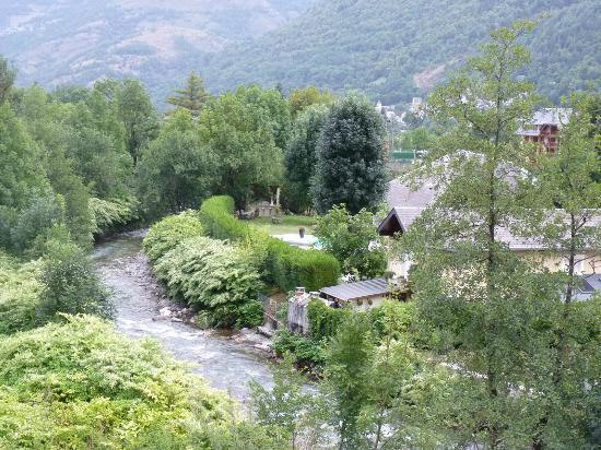 Hotel Castel de la Pique : vue depuis la fenêtre
