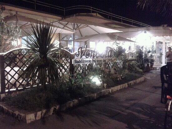L 39 esterno del locale picture of ristorante pizzeria for L esterno del ristorante sinonimo