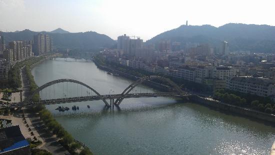 Yintian Hotel: LiuYang River - Day
