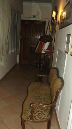 Casa Di Barbano: Entrata accogliente