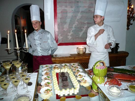 Thurnher's Alpenhof: Buffet offerings