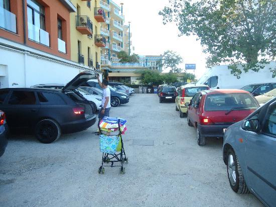 Hotel Corallo : parking