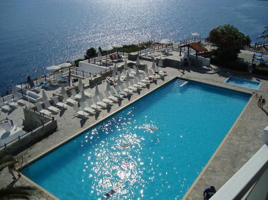 Peninsula Resort & Spa : room view - upper pool
