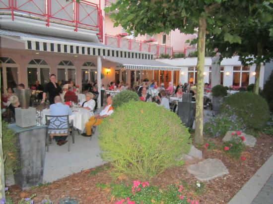Hotel-Restaurant Kunz: dining at the terrace