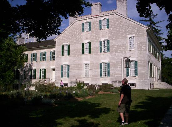 Shaker Village of Pleasant Hill - The Inn: Buildings