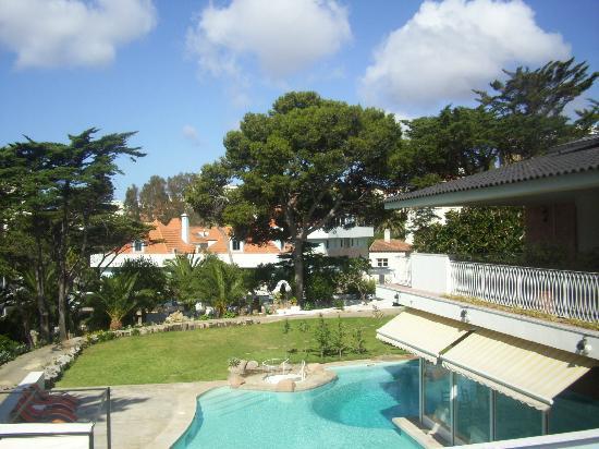 Villa Unika: Parte del giardino