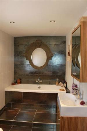 La Maison Ancienne: Chambre 1 - beautiful luxury ensuite with bath & separate shower