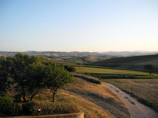Colle delle Ginestre: Il retro della struttura