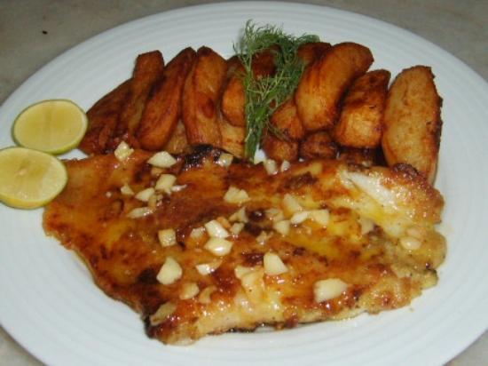 Tutti Frutti  Restaurant: Grilled seabass & lemon butter sauce home made chips