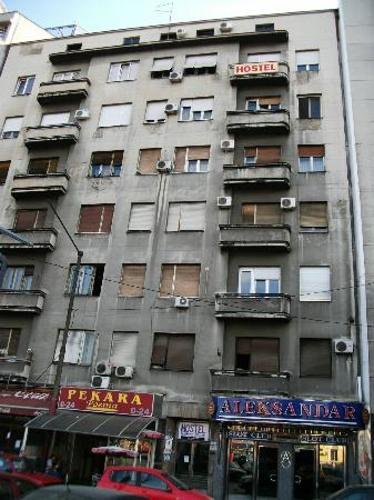 Downtown Belgrade Hostel: Main entrance