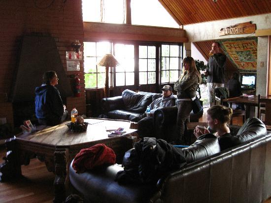 Lungile Backpackers Lodge : Main lodge/lobby area