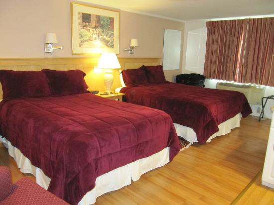 SeaCoast Inn : double and queensize beds