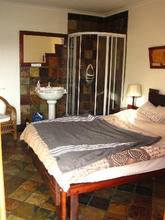 Lungile Backpackers Lodge: Private double