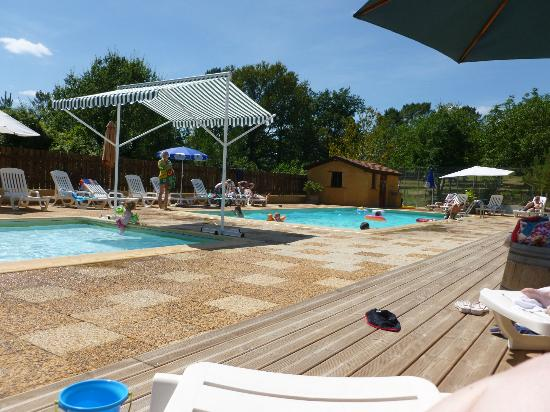 Camping Domaine des Mathevies: Pool area