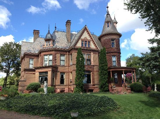 Henderson Castle Inn: Henderson Castle