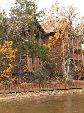 Irwin Inn: Fall beauty
