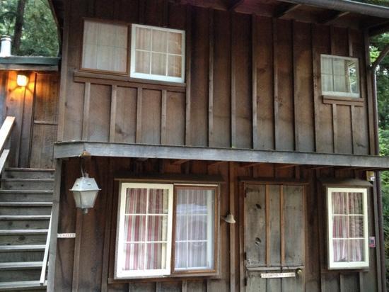 Deetjen's Big Sur Inn: the chateau