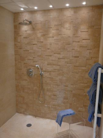 Douche Italienne  - Picture Of Hotel France Et Chateaubriand