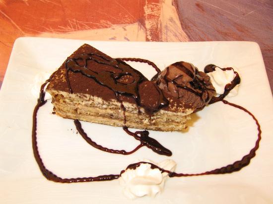 Toscana Ristorante Italiano: Delicious Tiramisu