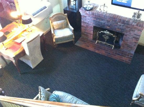 Garrison Inn Boutique Hotel : sitting area