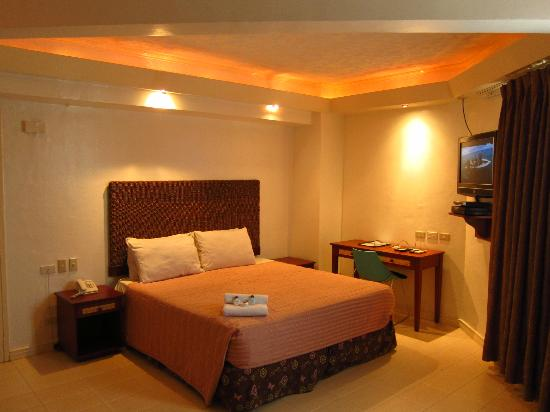 Wild Orchid Beach Resort Subic Bay: Bedroom