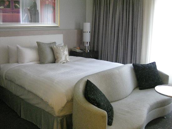 Loews Hotel Vogue: Comfy bed