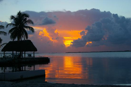 Rock Reef Resort : Sunset