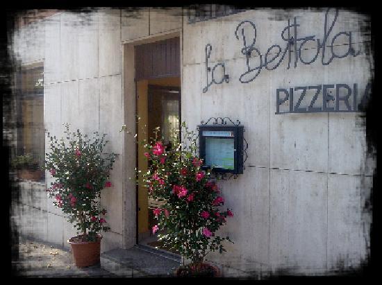La Bettola: Entrata