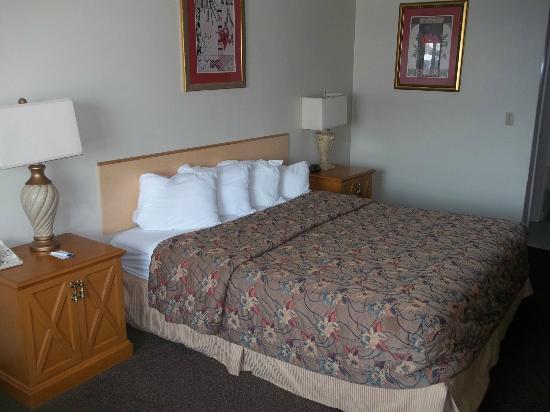 Rodeway Inn: New bedding